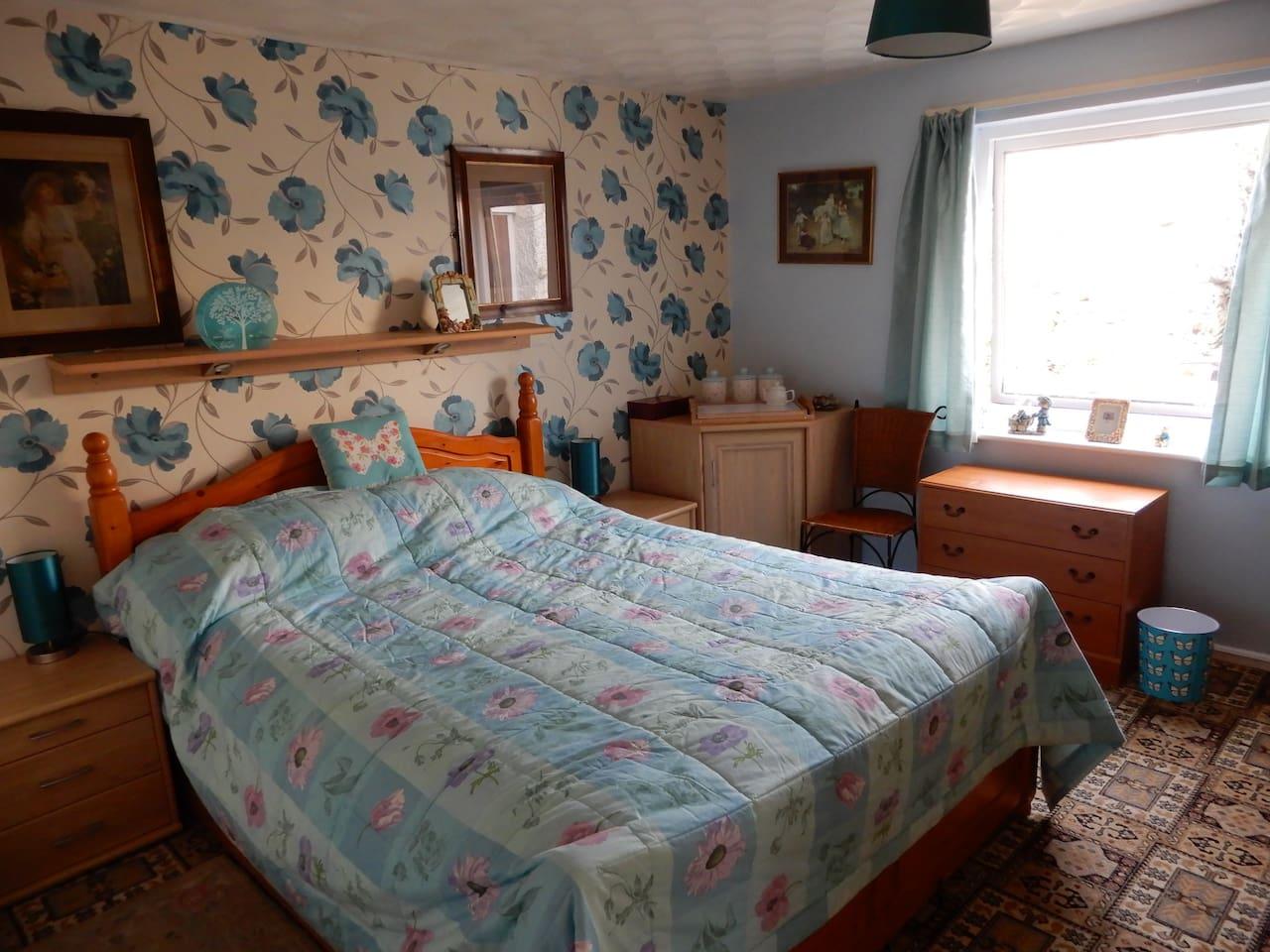 Bedroom 3 - Kingsize bed