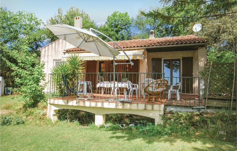 Holiday cottage with 3 bedrooms on 80 m² in Puget Ville