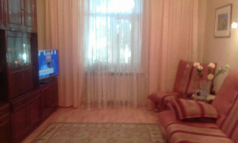 Комната в доме с видом на Кремль
