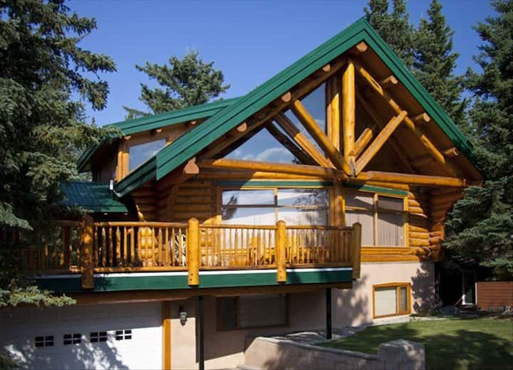 #131  Deluxe 3 Bedroom Chalet (Vacation Home)