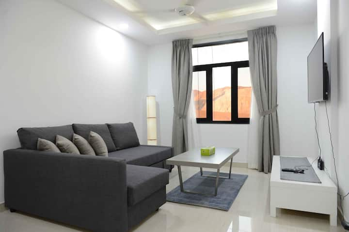 Top floor apartment with sand dunes view in Muscat