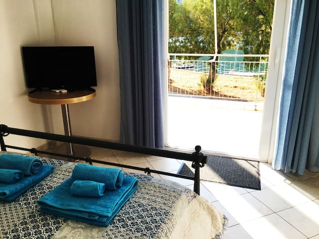 Sea front apartment - Porto Buffalo - Evia