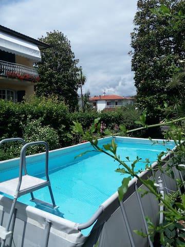 Casa con giardino in zona tranquilla - Marina di Carrara - Hus