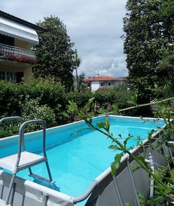Casa con giardino in zona tranquilla - Marina di Carrara