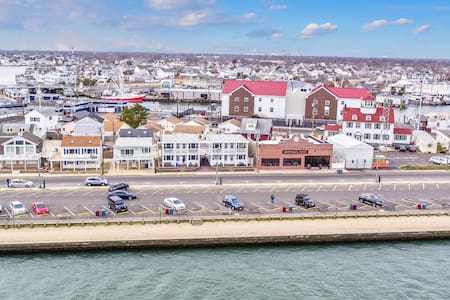 New, Clean, Furnished with Great Inlet Views - Point Pleasant Beach - Apartmen