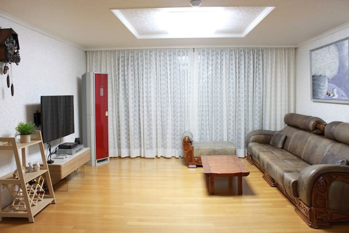 ENTIRE UNIT, 3BED APT NEAR HANRIVER