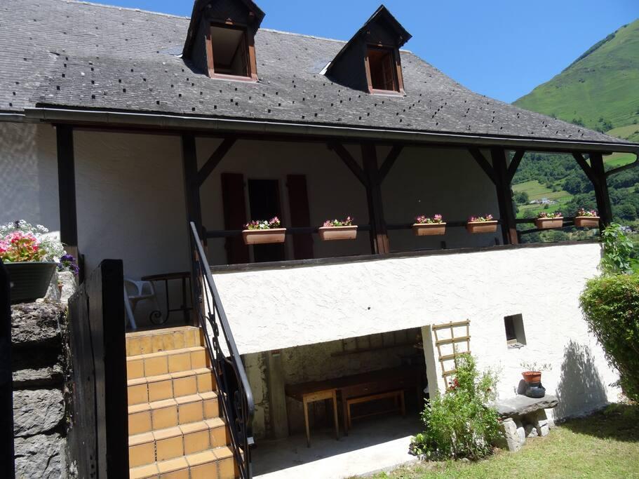 terrasse sur jardin du haut