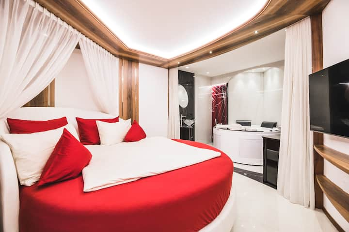 New Romantic Suite Center Ortisei Valgardena
