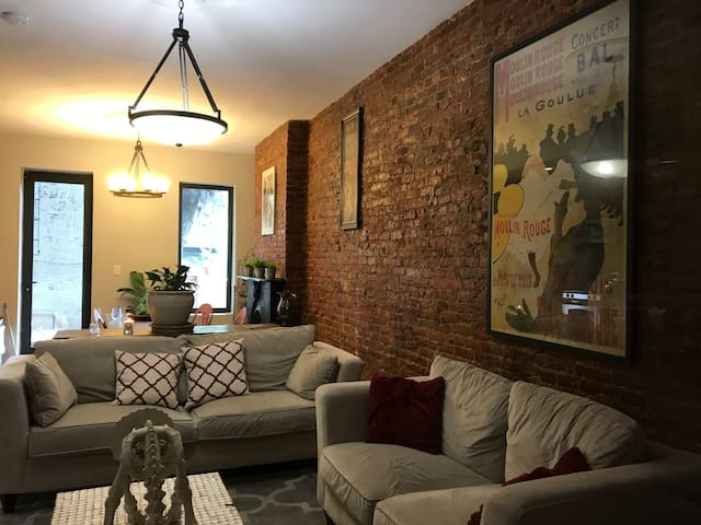 Beautiful  Apartment in bedstuy