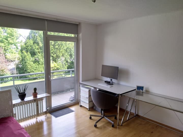 Fully Furnished Apartment Near DUS Airport