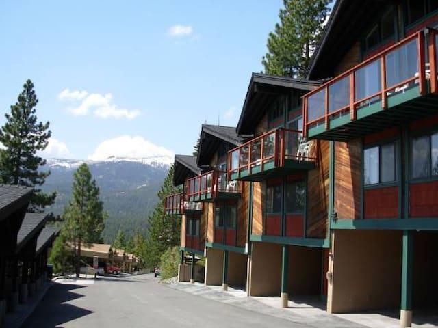 Remodeled 2/2 Timeshare; Great view of Lake Tahoe - Incline Village - Kondominium