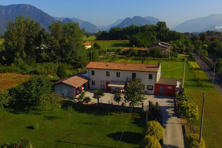 B&B AL VECCHIO GLICINE       'At the old Wisteria' - Osoppo - Bed & Breakfast