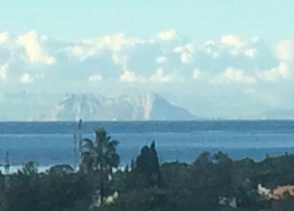 Amazing views of sea and mountains - Estepona, Andalucía, ES