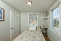 double/ full size bed in one bedroom