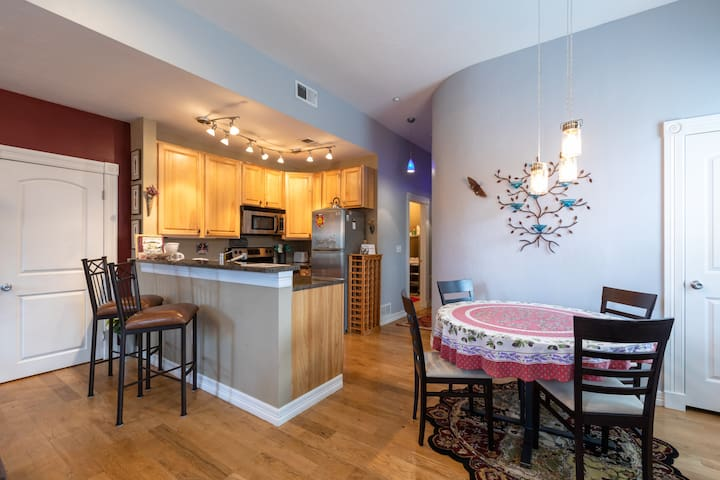 Private condo in  ❤ downtown Golden, CO.
