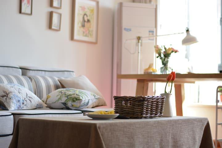 1号线地铁旁文艺温馨舒适双人房独立卫生间 - หางโจว - ที่พักพร้อมอาหารเช้า