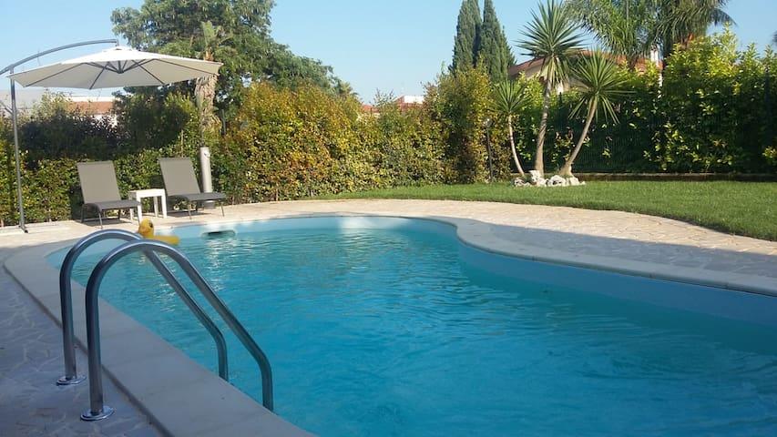 Villa  in residence con piscina privata