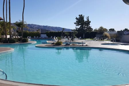 Mission Lakes Country Club Condo - Desert Hot Springs - Lakás