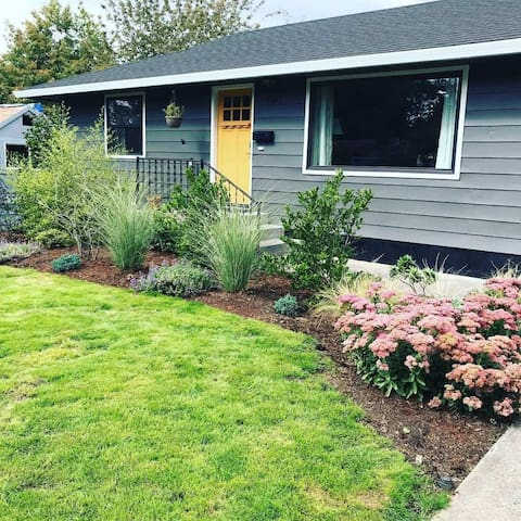 Home away from home in SW Portland!