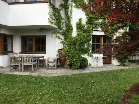 Gartenwohnung  in Innsbrucks Sonnenlage/Bergblick