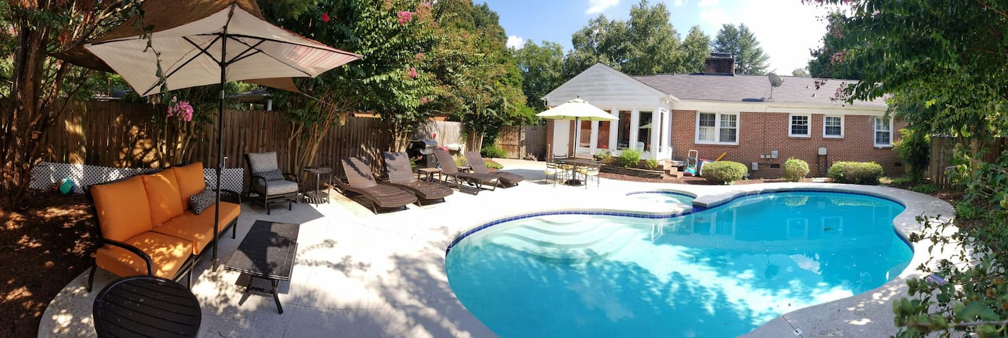 S Clt Ranch w/Pvt Pool & Hot Tub! - Charlotte - Rumah