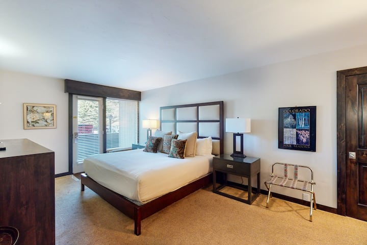 Ski-in/out hotel room w/ free airport shuttle, hot tub, pool, gym, & steam room