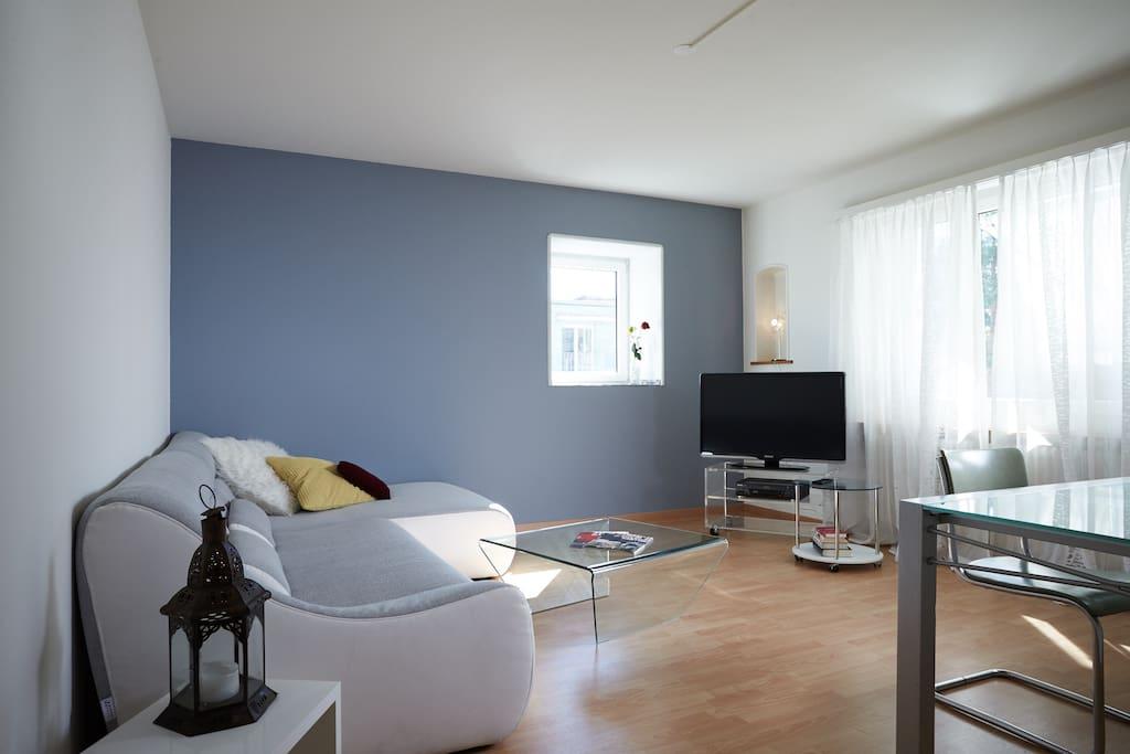 Gemütliches grosses Wohnzimmer mit TV, Radio und WIFI.