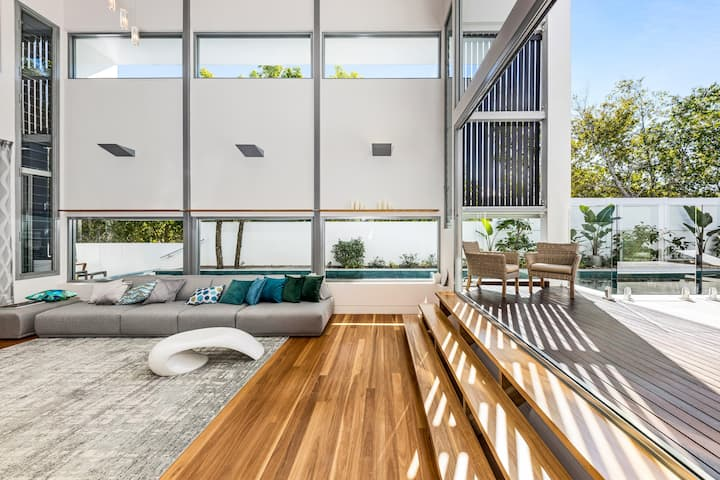 Ultimate light and space, Noosa Heads