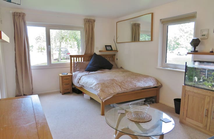 The Pad, few minutes from Gatwick. Free Parking