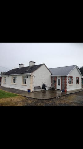 Spacious & private escape close to Galway city