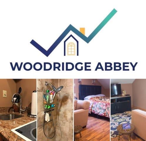 Cozy B&B suite w/ parking/wash/dryer/kitchen