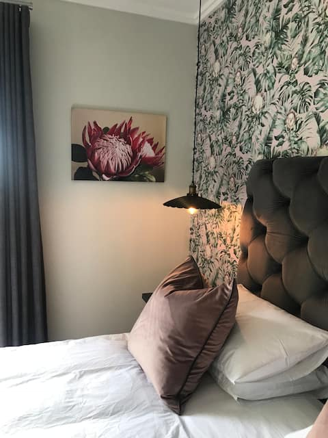 Luxurious Protea guest room in a private Estate