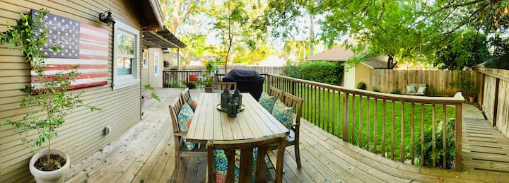 Classic Executive + Gorgeous Yard + Best Location