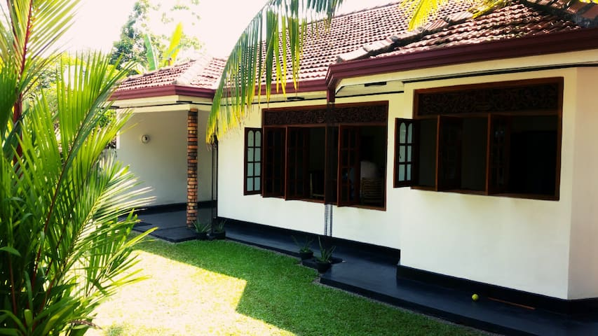 Come as a guest, leave as a friend - Kalutara - Bungalow