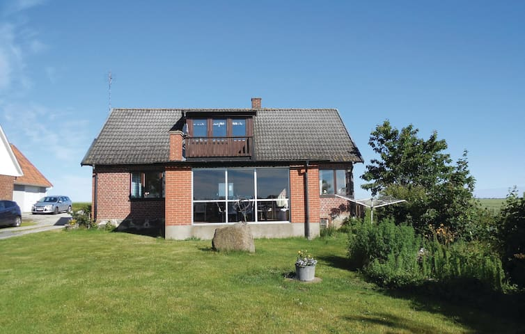 Holiday cottage with 3 bedrooms on 150m² in Simrishamn
