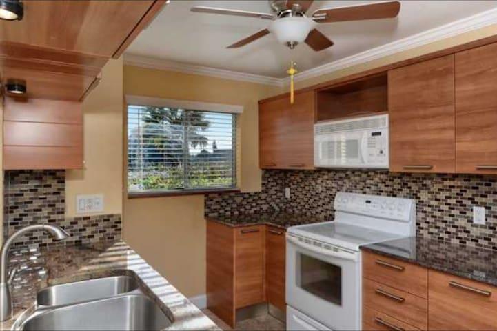Trinity Village Condominiums - Sarasota - Osakehuoneisto