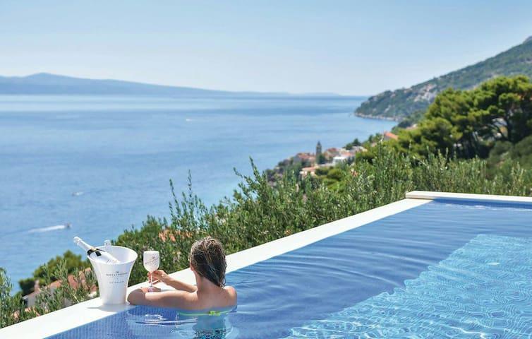 Big infinity pool with panoramic view