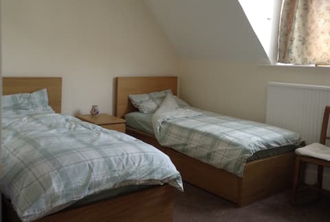Spacious Clean and Quiet Bedroom