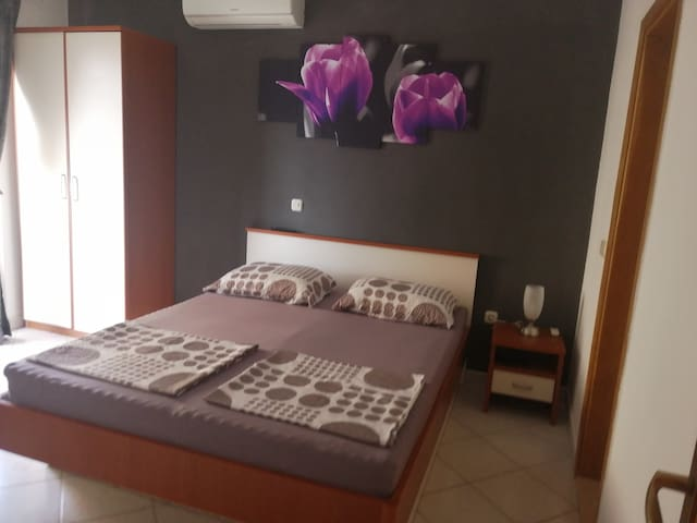 Room for two with kitchen and batheroom3, Makarska