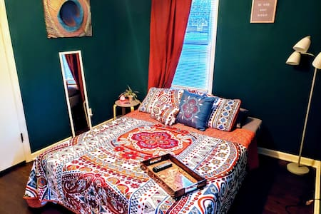 Zen Den- A cozy & tranquil space for you to relax!