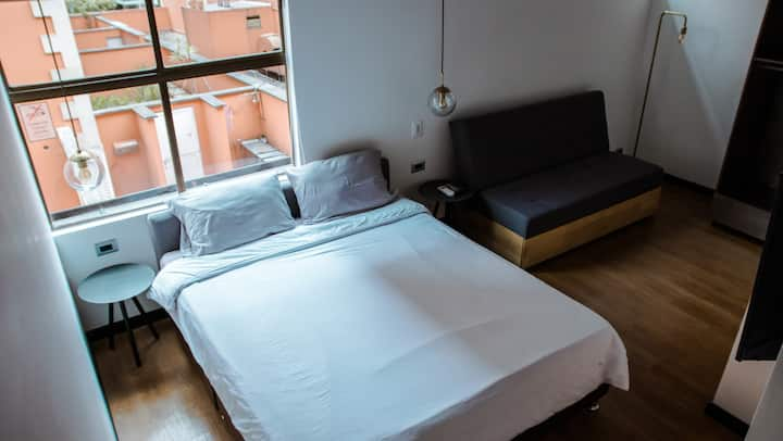 Cool and fresh Room in 93 Park (309)