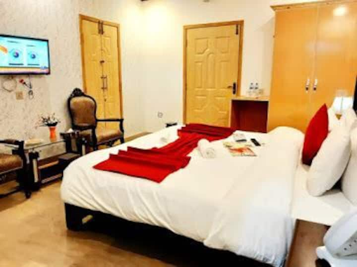 Luxry Rooms Lahore