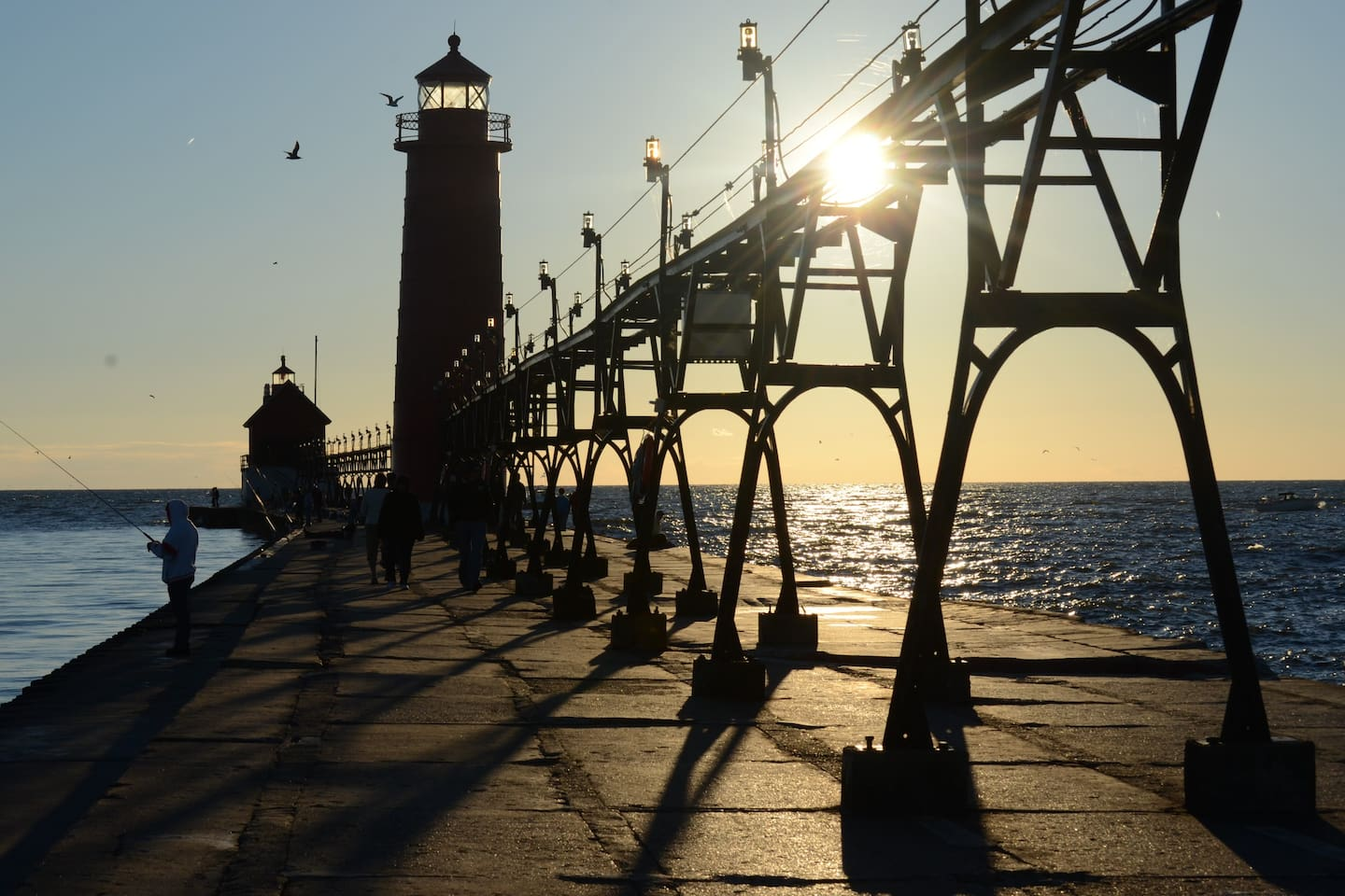 Grand Haven Pier and lighthouse 10 minute drive..