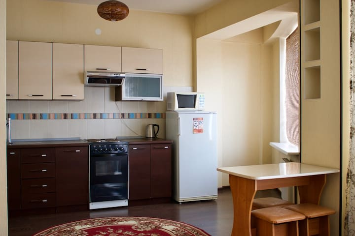 Уютная студия в центре - Irkutsk - Appartement