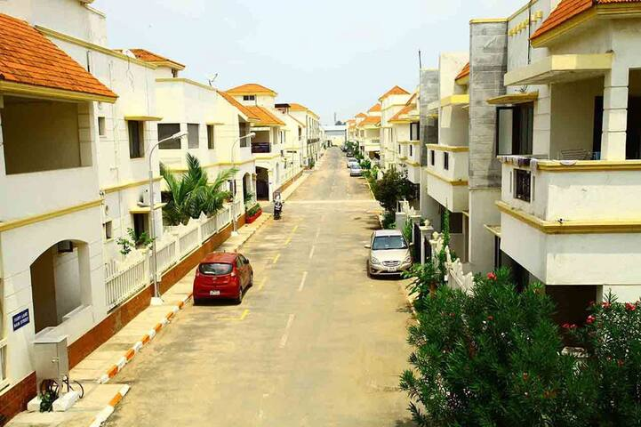 individual villa in gated community for nice stay - Chennai - Villa