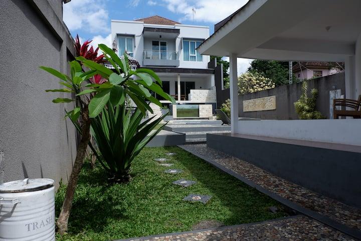 Villa Gunung Catur at Kerobokan Bali
