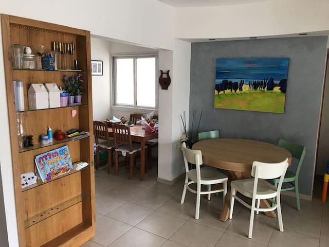 Spacious family-friendly 2BR apartment