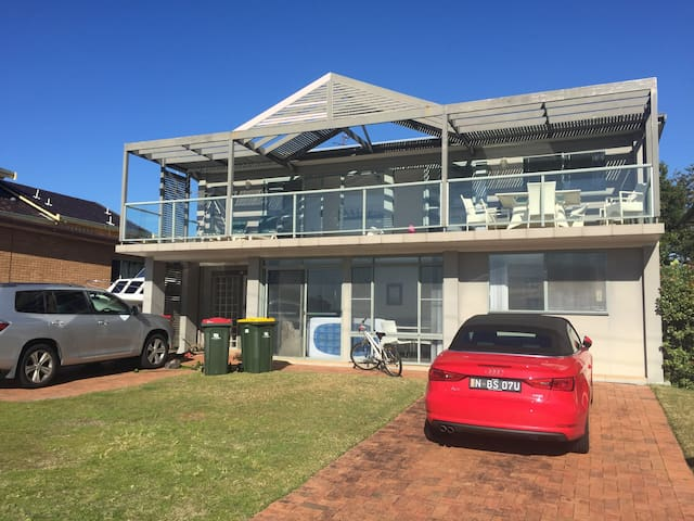 Fingal Bay Beach House - Fingal Bay