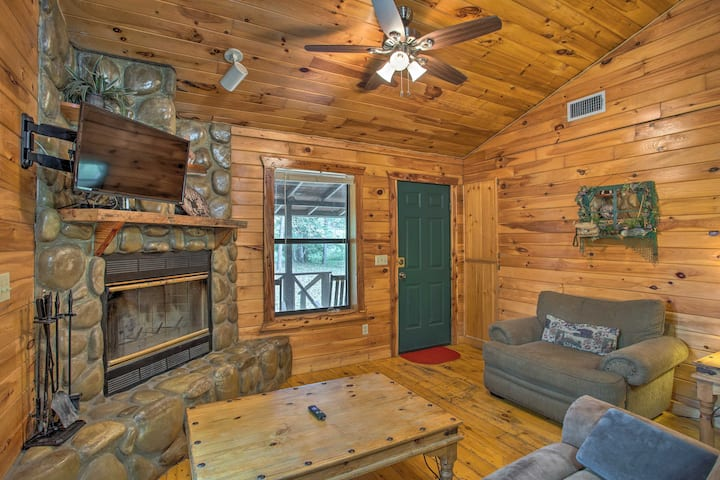 NEW! 'Starlight' Cabin: ~ 6 Miles to Beavers Bend!