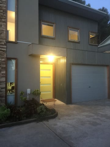 TANGLES:By Sovereign Hill /6 mins CBD pet friendly